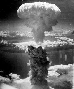 atomic-bomb-398277_1280